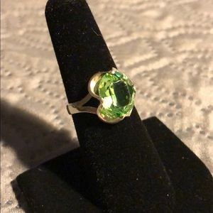 Jewelry - Vintage sterling silver ring with green stone